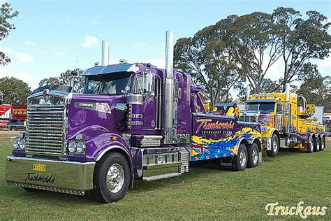kenworth t906 truckworks kenworth t908 towing their peterbilt recovery t