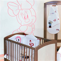 chambre minnie bebe chambre disney baby déco disney bébé sur bebegavroche