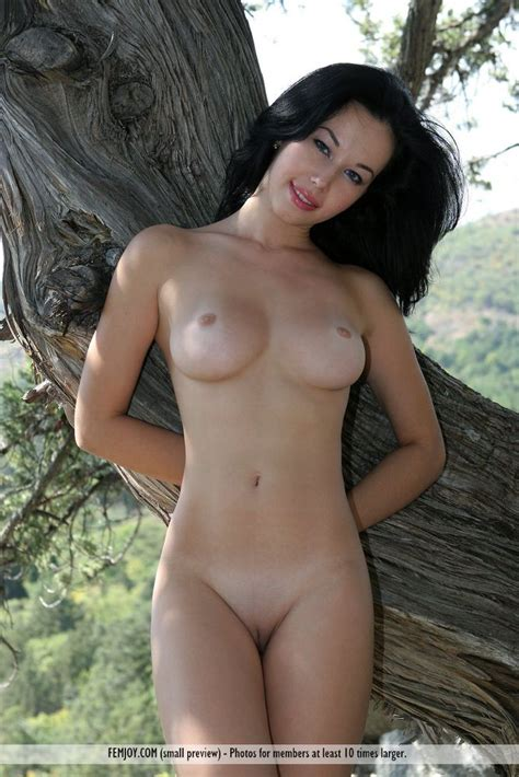 Pretty Nude European Teen In Nature From Outdoornymphs Com