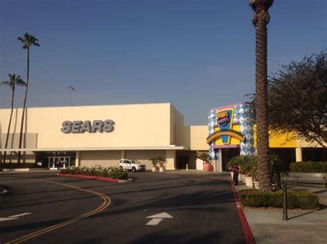 Rachel Friends buena park downtown   shopping centers 533 x 400 · jpeg