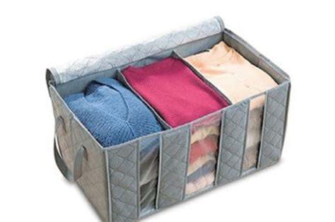 scatole per guardaroba cambio armadi organizza il guardaroba con le scatole