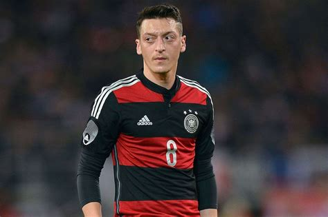 Soccer And Basketball Wallpaper Mesut Ozil Wallpapers High Resolution And Quality Download