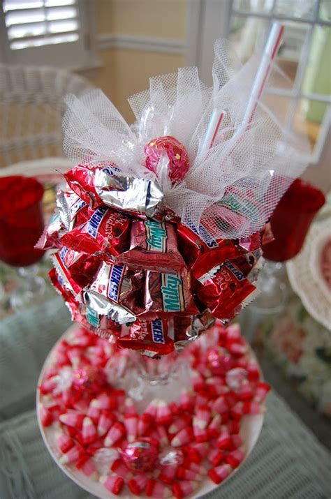 how to do a christmas candy sunday centerpiece a s day tablescape table setting with diy bar sundae centerpiece