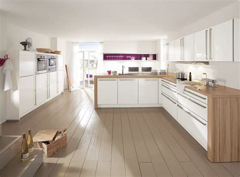 cuisine blanche design cuisine blanche déco violette