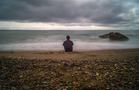 banco de imagens homem de praia mar costa agua