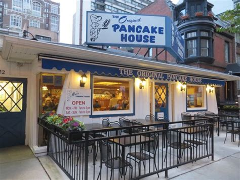 Top 7 Best Places To Eat In Chicago