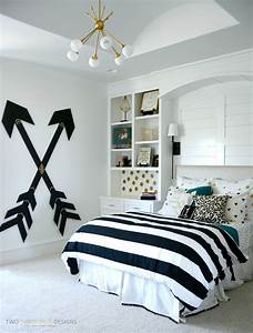 Diy room decor black white gold and bedroom ideas for Homemade black and white room decorations