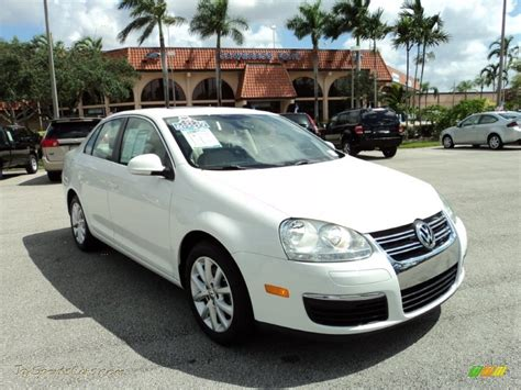 volkswagen jetta white 2010 volkswagen jetta se sedan in candy white 062281