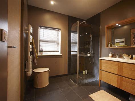comment remplacer une baignoire par une douche leroy