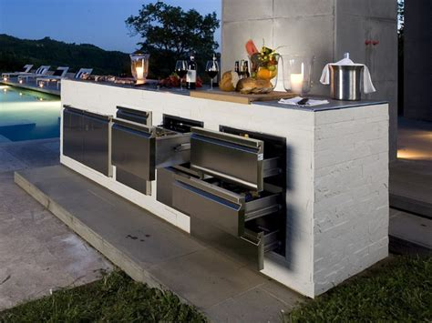 modern outdoor kitchen designs step out to enjoy the modern outdoor kitchens 7763