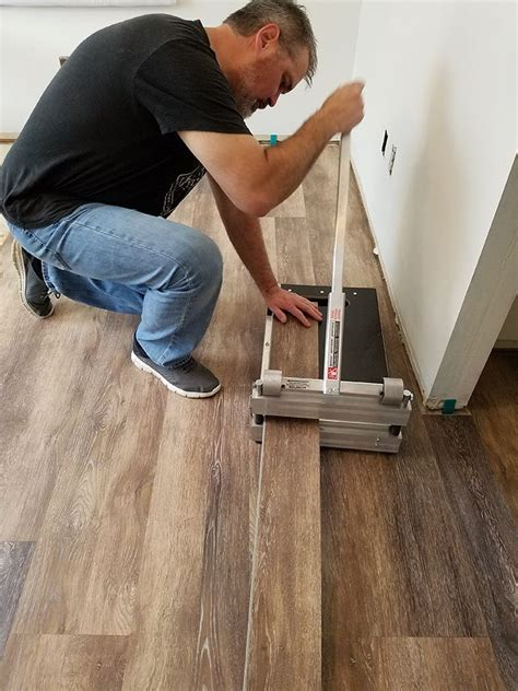 Installing Vinyl Floors   A Do It Yourself Guide     Wood