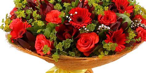 Lēta ziedu piegāde tajā pašā dienā Rīgā un citās Latvijas ...