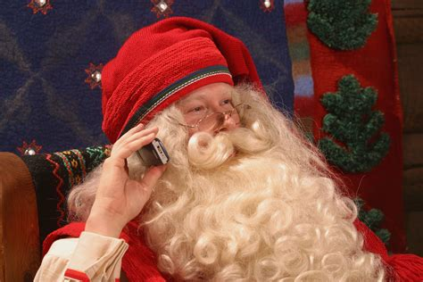 Santa Claus Phone Number 2020: How to Call Kris Kringle ...