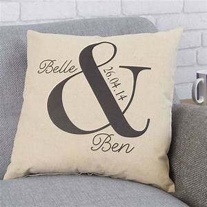 35 great wedding gift ideas fun unique wedding ideas With personalized wedding gifts uk
