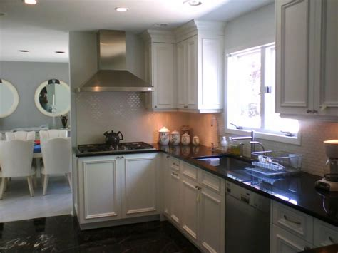kitchen color schemes  white cabinets interior decorating colors interior decorating colors