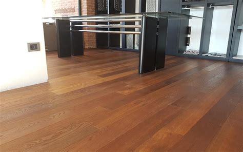 pavimenti scuri pavimenti chiari o scuri criteri per la scelta fratelli