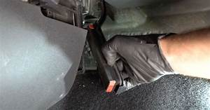 How To Change  Renault Clio 3 Pollen Filter  U2013 Replacement