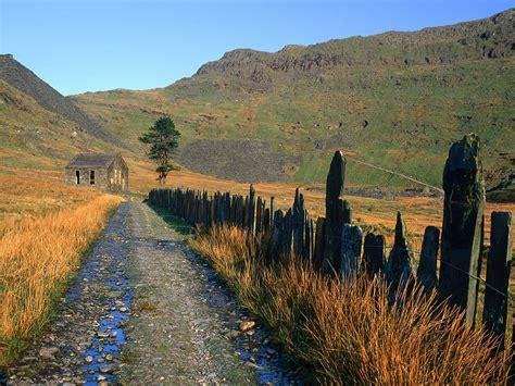 slate fence leading   chapel snowdonia national park