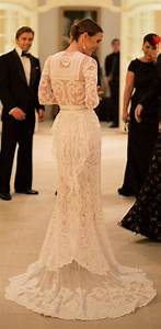 Wedding dresses custom made givenchy lace wedding dress for Givenchy wedding dress