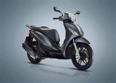 piaggio medley 150 2018 piaggio medley 150 special edition review total motorcycle