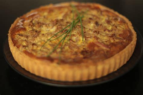 cuisine d herve recette de la tarte au thon poivron et herbes par hervé