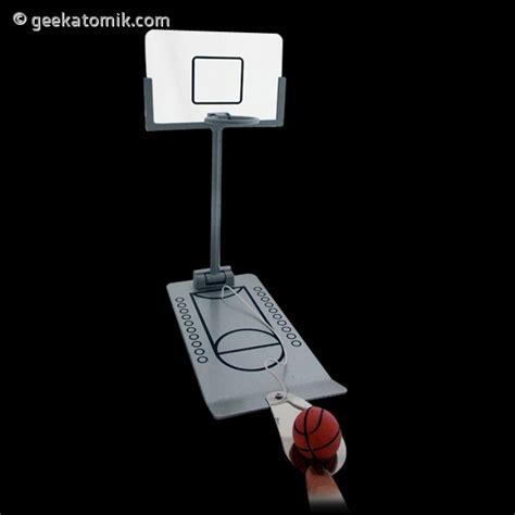 panier de basket de bureau panier de basket pour bureau geekatomik