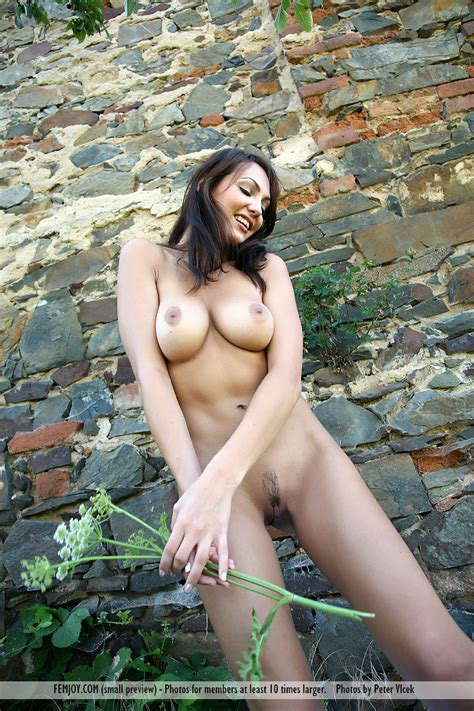Hot Girl Naked Against A Stone Wall Busty Girls Db