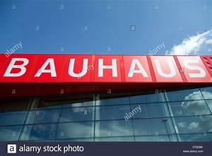 Dünne Fliesen Bauhaus : bauhaus logo stockfotos bauhaus logo bilder alamy ~ Watch28wear.com Haus und Dekorationen