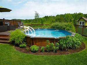17 ways to add style to an above ground pool hgtv39s With comment amenager sa piscine 18 une cuisine semi ouverte avec bar