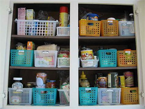 ideas to organize kitchen cabinet shelving tips on organizing kitchen cabinets
