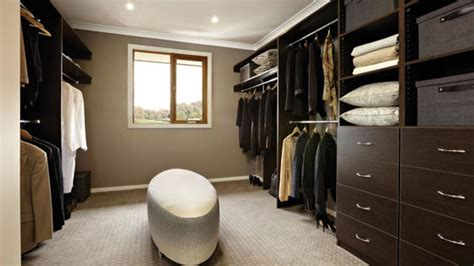 cool seating ideas for your walk in 25 cool walk in closet ideas for men design swan 10