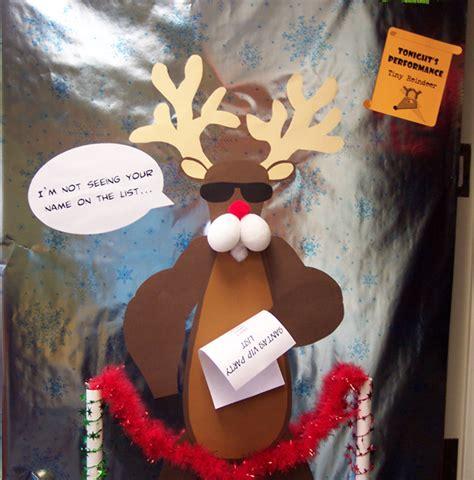 top 14 most decorations beliefnet buzzbeliefnet buzz - Funny Christmas Decoration Ideas