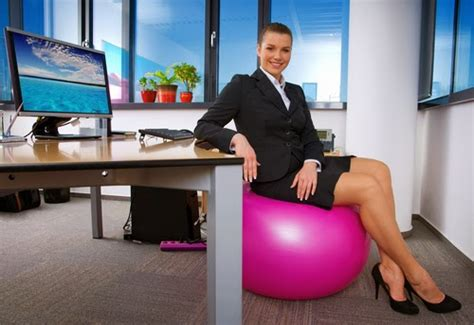 fitball come sedia usare palla svizzera come sedia per il pc mal di schiena