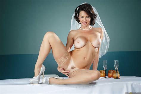 veronica avluv is a very horny bride photos charles dera isiah maxwell milf fox
