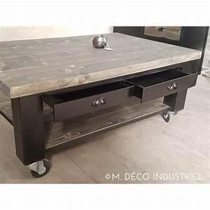 Table Salon Industriel : table basse a roulette maison design ~ Teatrodelosmanantiales.com Idées de Décoration
