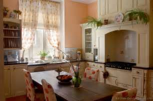 vintage decorating ideas for kitchens cottage kitchens photo gallery and design ideas