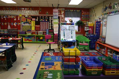 mrs mayas kindergarten line up 385 | IMG 8831