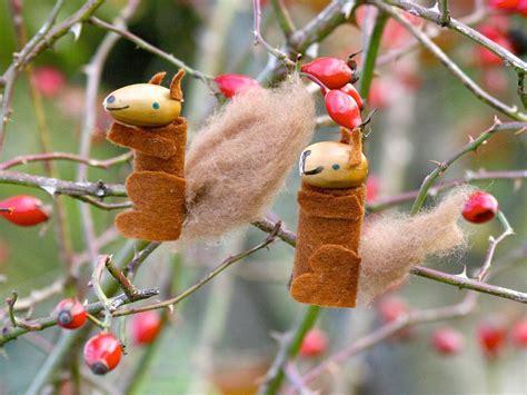 eichhörnchen zum basteln basteln mit kindern kostenlose bastelvorlage basteln im herbst eichh 246 rnchen aus eicheln basteln