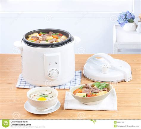 Electric Casserole And Steaming Pot Royalty Free Stock