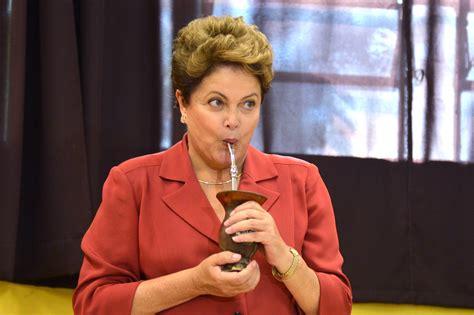 Dilma Rousseff é eleita uma das mulheres do ano por jornal ...