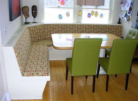 Interesting Kitchen Nook Design Showcasing Small Dining