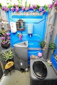 Porta Potty For Outdoor Wedding
