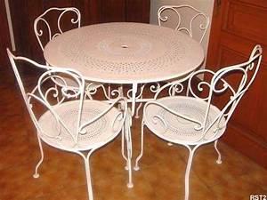 Table Fer Forgé Jardin : table et chaise de jardin en fer table jardin en fer maison boncolac ~ Teatrodelosmanantiales.com Idées de Décoration