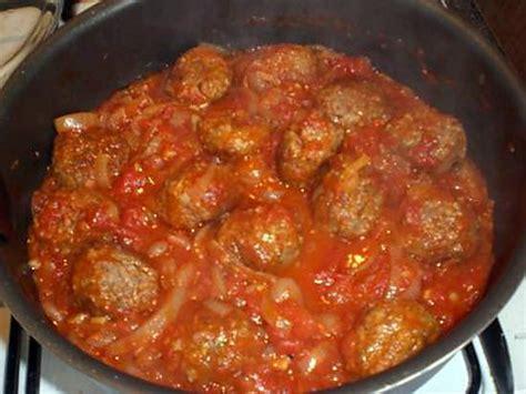 cuisiner des boulettes de boeuf recette de rougaille de boulettes de boeuf