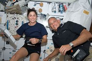 Nicole Stott NASA - Pics about space
