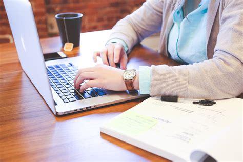 corporation bureau business informatique ordinateur travail à domicile