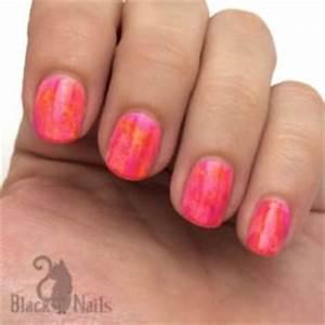 Pink Glitter Gra nt Nails