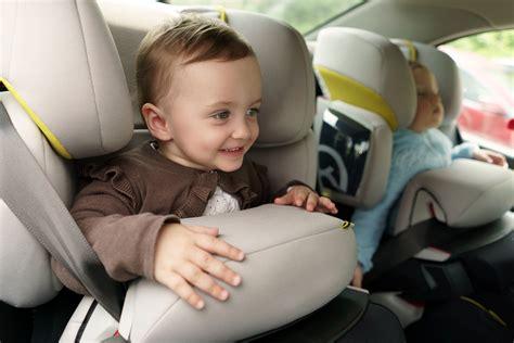 autositz mit fangkörper kindersitze mit fangk 246 rper familien frage de