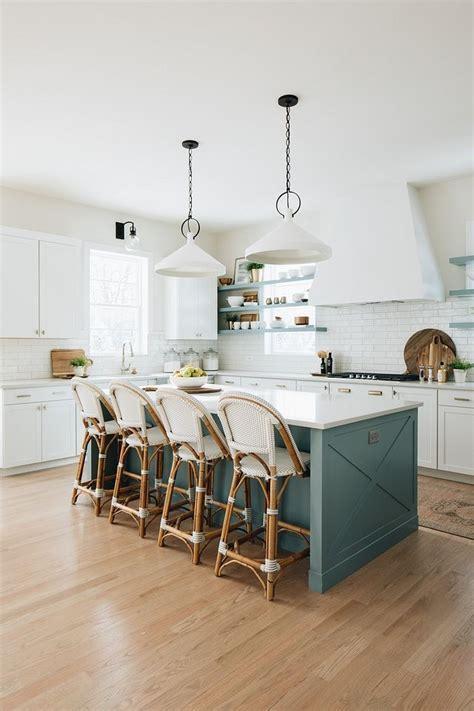detail kitchen island  large kitchen island