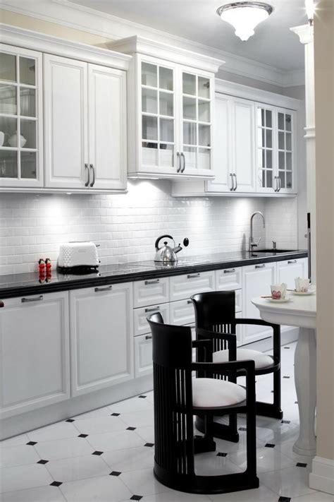 cuisine carrelage blanc carrelage noir et blanc très chic des idées originales à